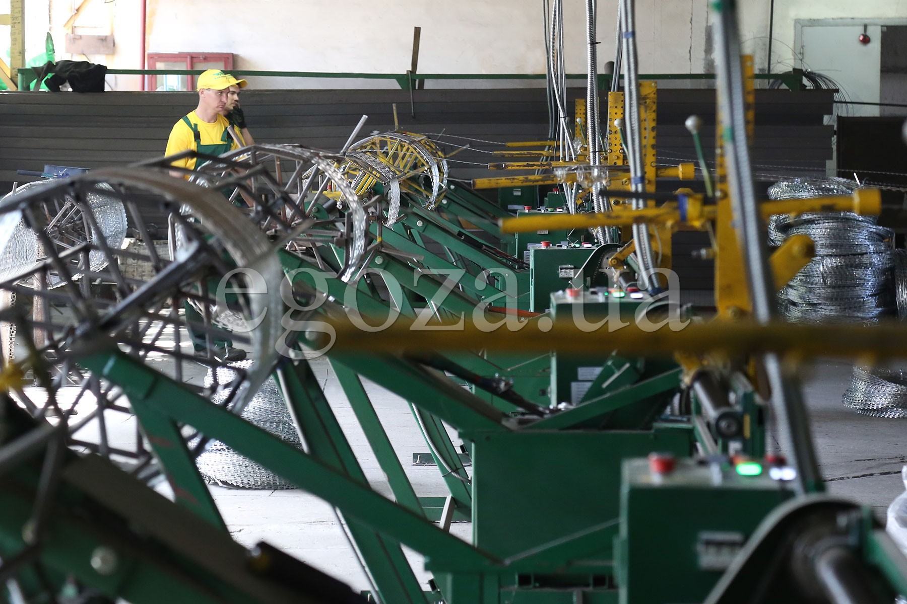 Production of spiral barriers