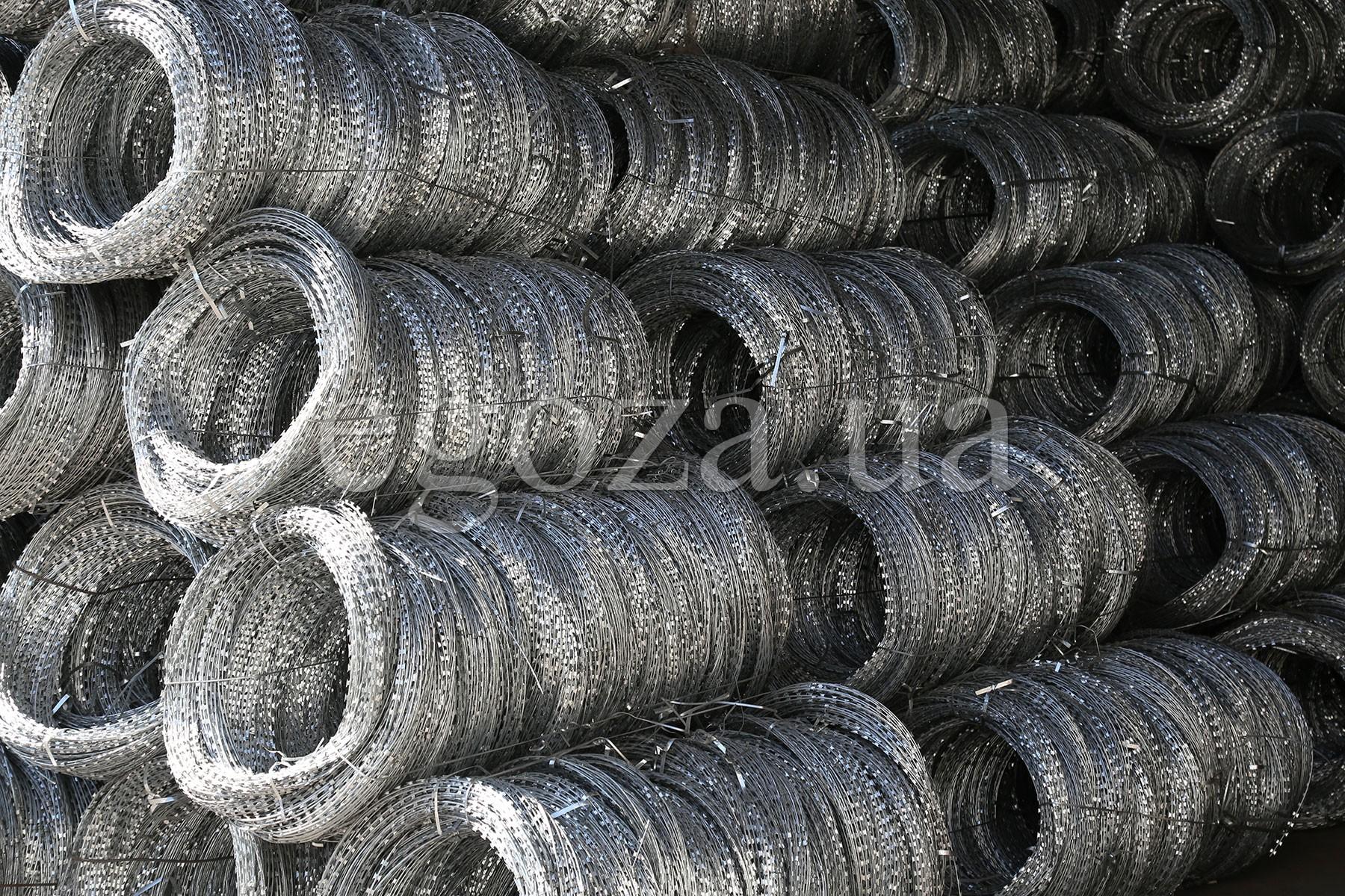 Спиральные заграждения Егоза на складе