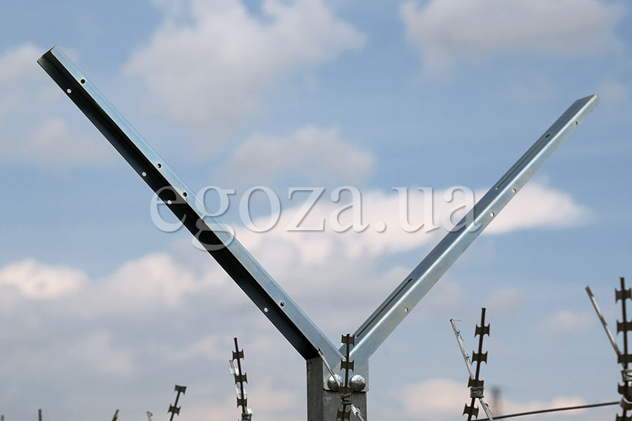 Holder for barbed wire Egoza