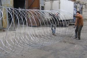 Растягивание спирального барьера Егоза Супер